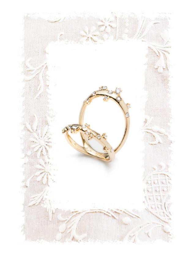 Minimal Engagement Rings for the Indie GirlLike Zoe Kravitz E News
