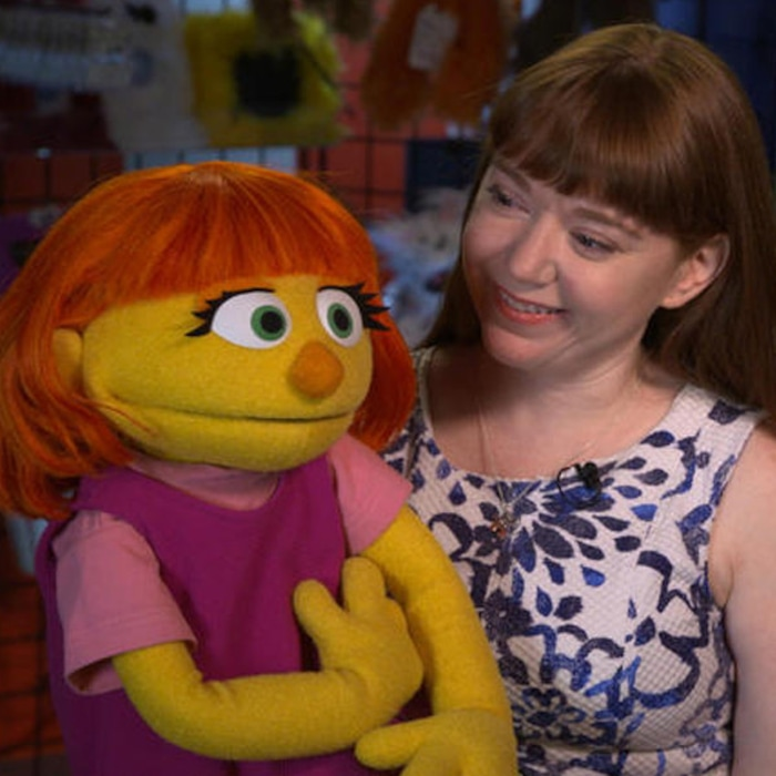 What Muppet With Autism Means To My >> Meet Julia Sesame Street S First Muppet With Autism E News