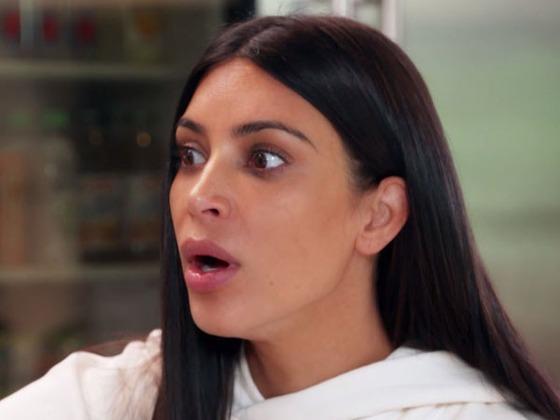 Kim K. blickt auf den Raubüberfall zurück nachdem Kanye spät nach Hause kommt. Mehr in der KUWTK Sneak Peak!