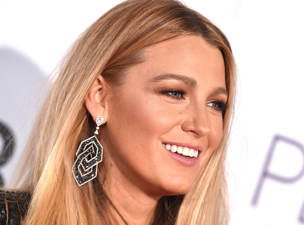 14ab601fdad Blake Lively s Makeup Artist Shares a Super-Easy Trick for Finding the Best  Lip Colors