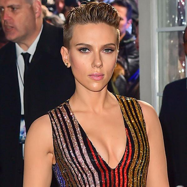 """Confused Juliette Binoche Says Scarlett Johansson Has the """"Best Ass"""""""