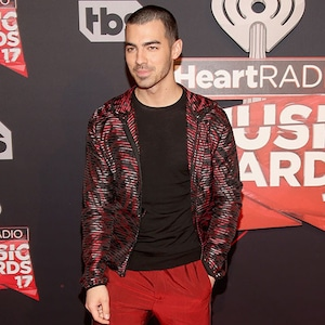 Joe Jonas, 2017 iHeartRadio Music Awards, Arrivals
