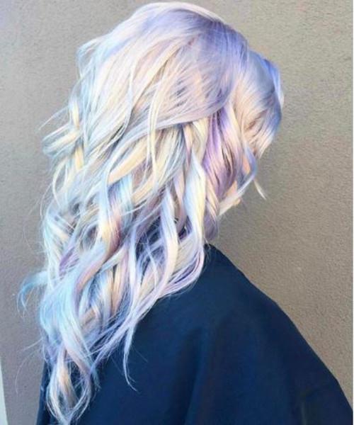 Conheça a tendência do cabelo holográfico