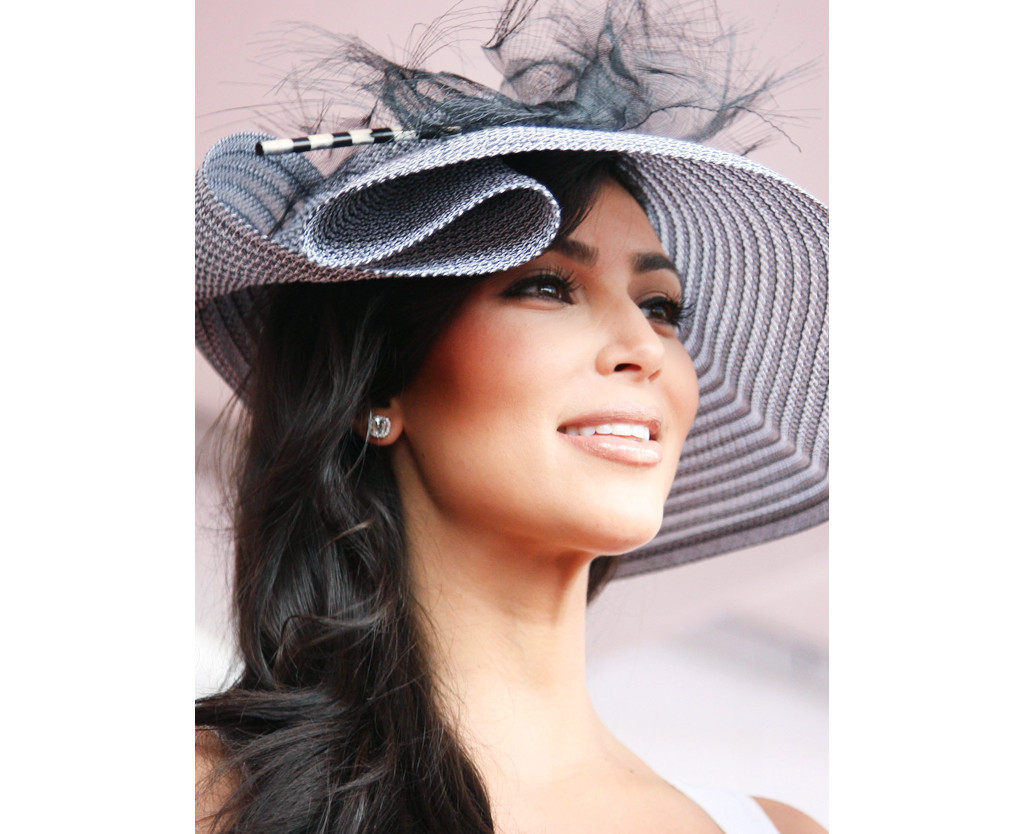 d815b0d129b25 How Celebs Like Kim Kardashian Pick Out Their Kentucky Derby Hat