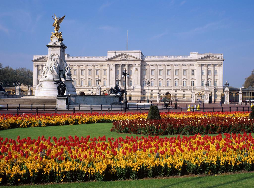 Buckingham Palace, front
