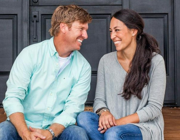 how chip and joanna gaines continue to renovate their unbelievably successful empire e news. Black Bedroom Furniture Sets. Home Design Ideas