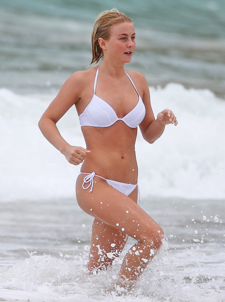 Bikini Body Video, Julianne Hough