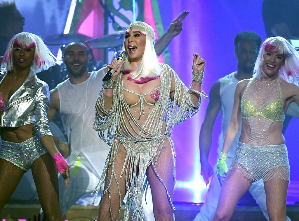 Cher, 2017 Billboard Music Awards