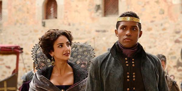 Still Star Crossed Get A First Look At The Post Romeo And