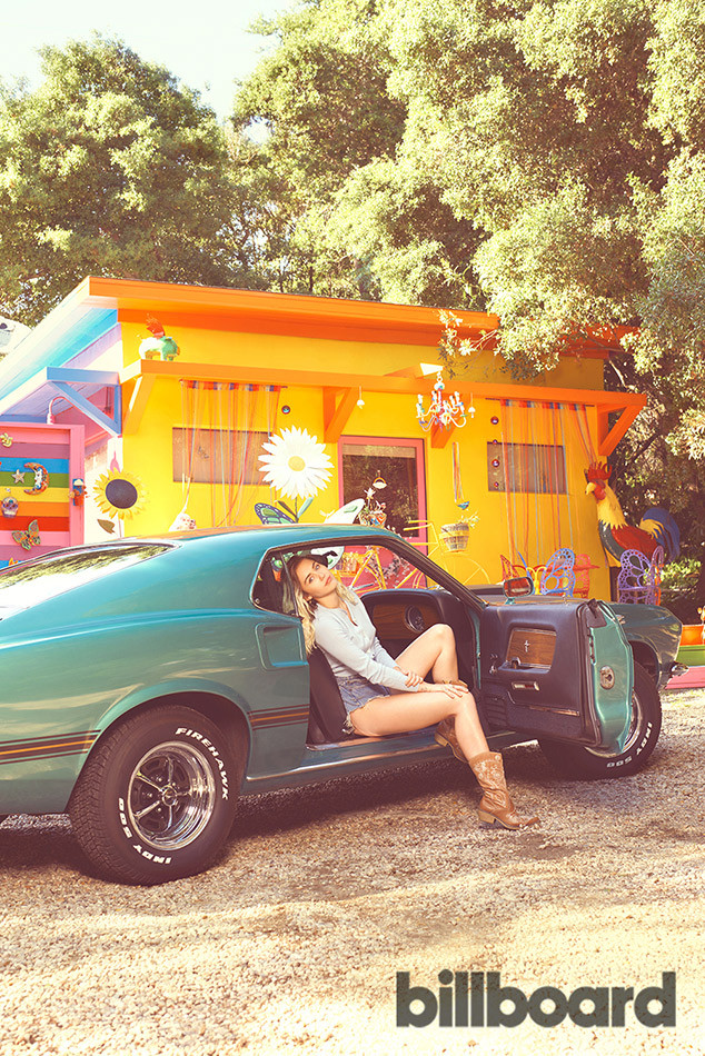 Miley Cyrus, Billboard