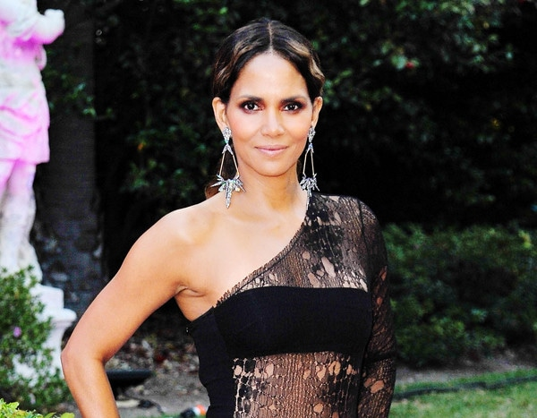 Halle Berry Goes Buck Naked For Instagram  E News-8637