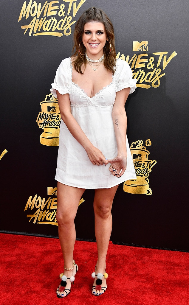 molly tarlov from mtv movie tv awards 2017 worst dressed stars