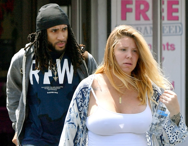 Teen Moms Kailyn Lowry Steps Out With New Man  E News-7597