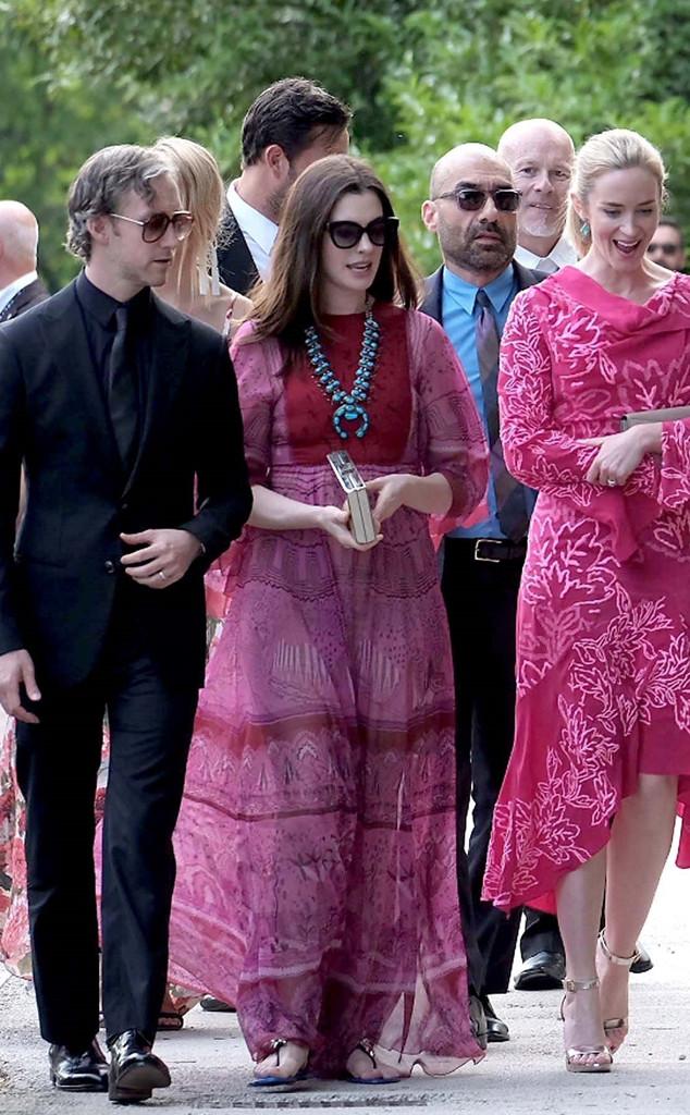 Anne Hathaway, Adam Shulman, Emily Blunt, Jessica Chastain Wedding