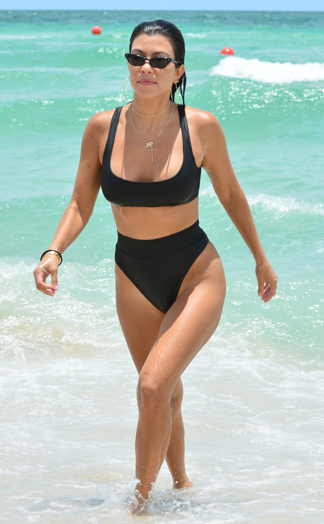 This Is How Kourtney Kardashian Keeps Her Body Ridiculously Fit | E