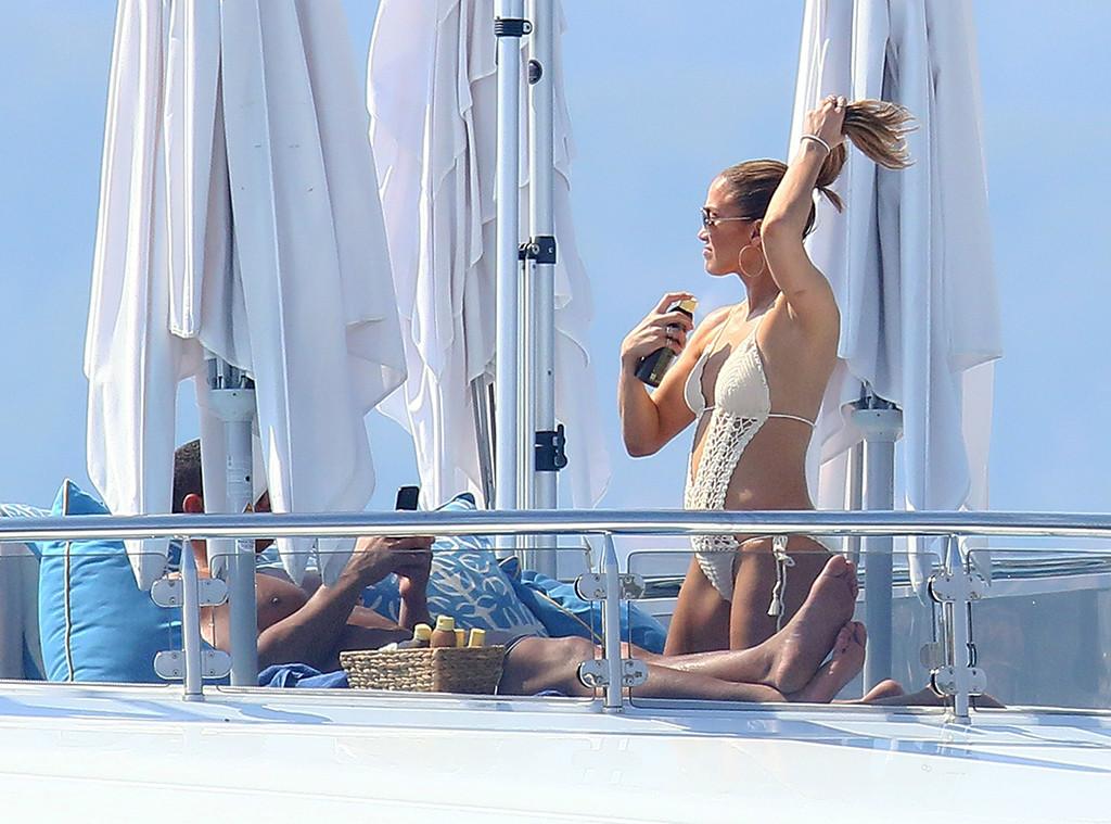Jennifer Lopez and Alex Rodriguez Are Dating  PEOPLEcom
