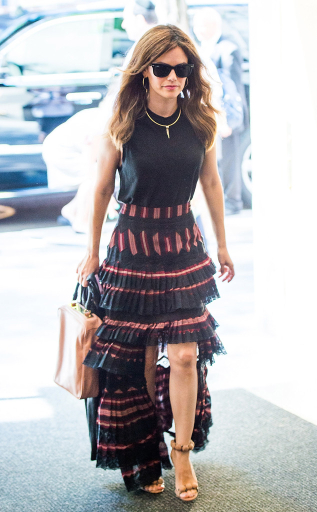 Right Choice Auto >> Rachel Bilson Just Wore the Skirt Style You Probably Forgot About | E! News