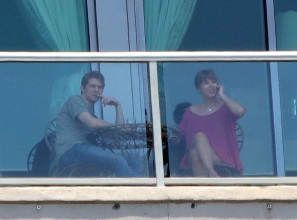 June 2017 -  Alwyn and Swift are photographed enjoying the view from a balcony in Nashville.