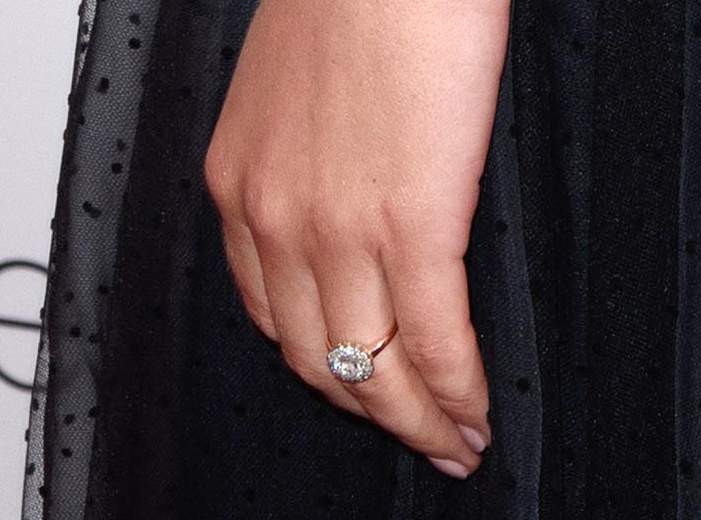 Felicity Jones, Engagement Ring