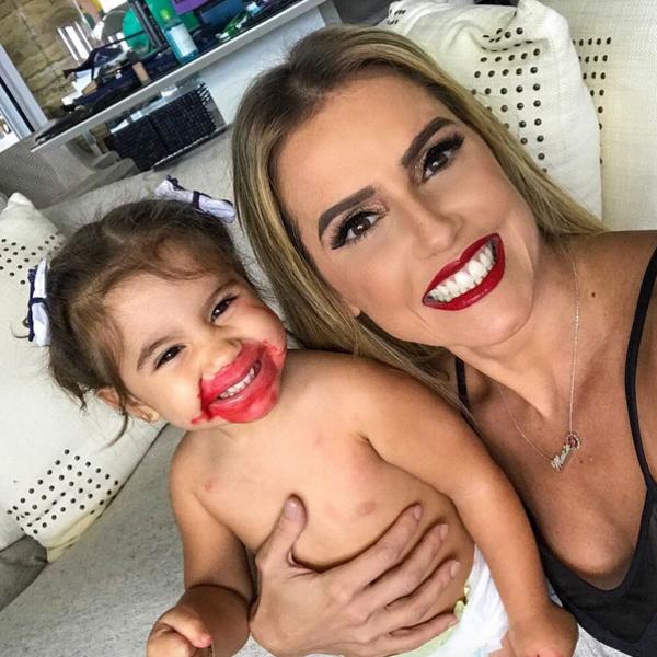 Deborah Secco, Maria Flor, Instagram