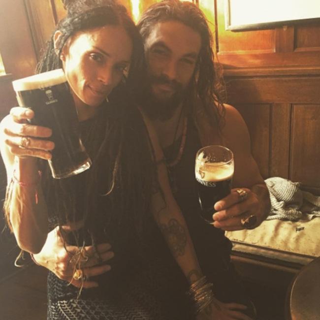 Jason Momoa Wanted His And Lisa Bonet S Wedding To Remain: Lisa Bonet Surprises Jason Momoa On The Aquaman Set For