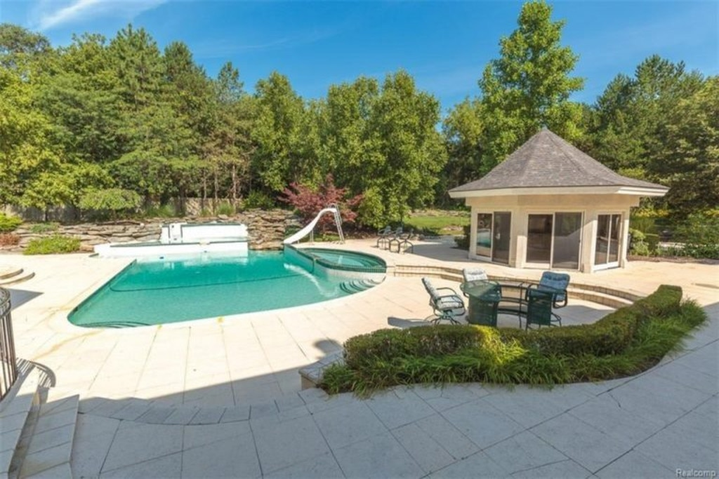 Tennis Court From Eminems 2 Million Michigan Home E News