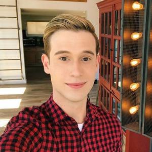 Tyler Henry Selfie, Instagram