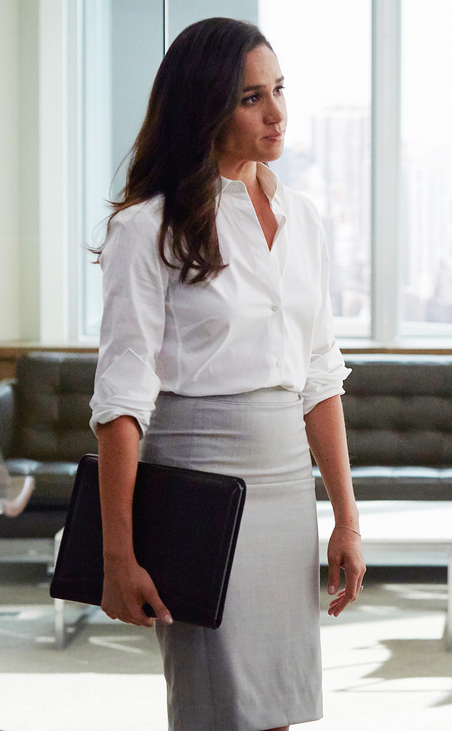 Meghan Markle 39 S Suits Guide To Dressing Like An Adult At The Office E News