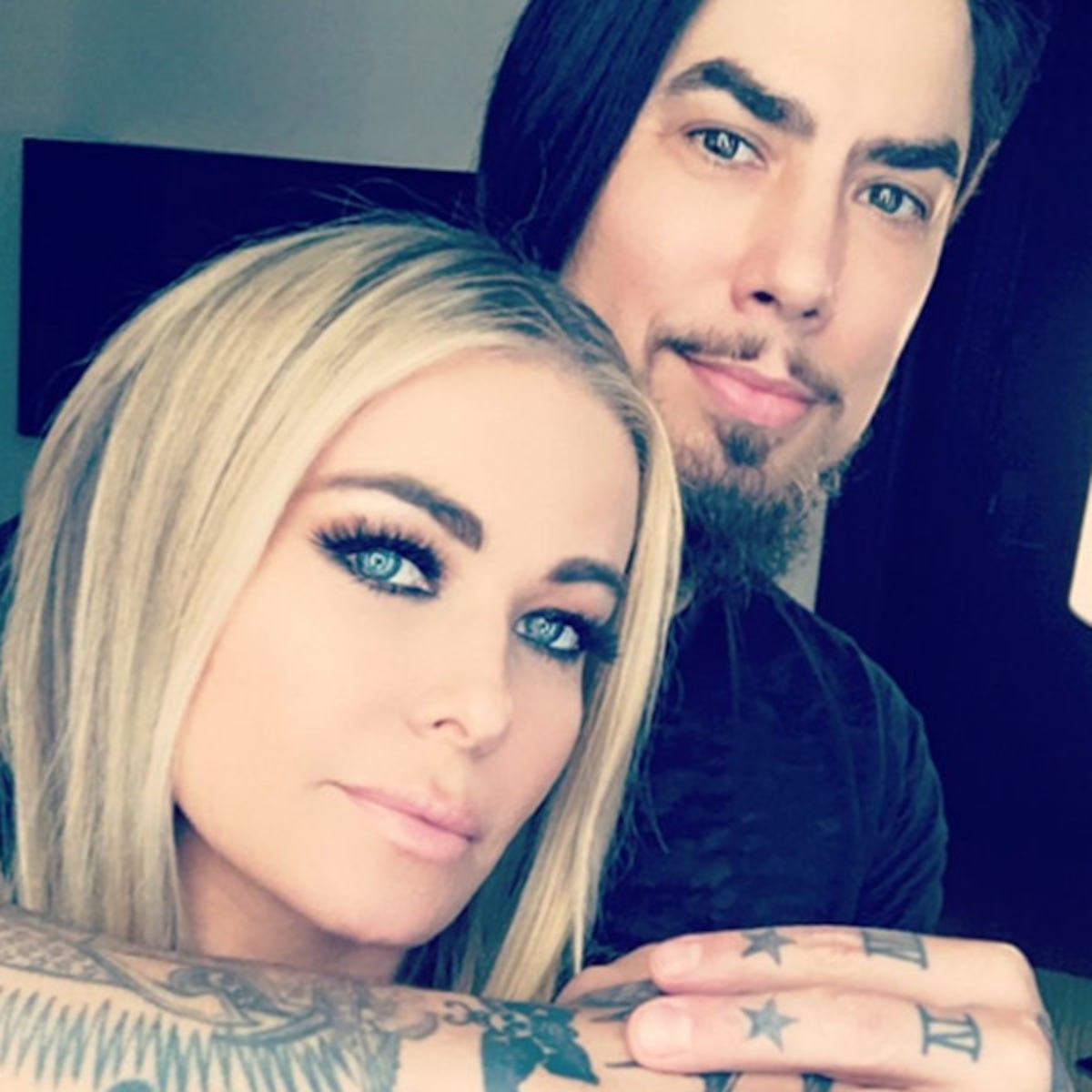 Carmen Electra Sets The Record Straight On Dave Navarro Relationship E Online