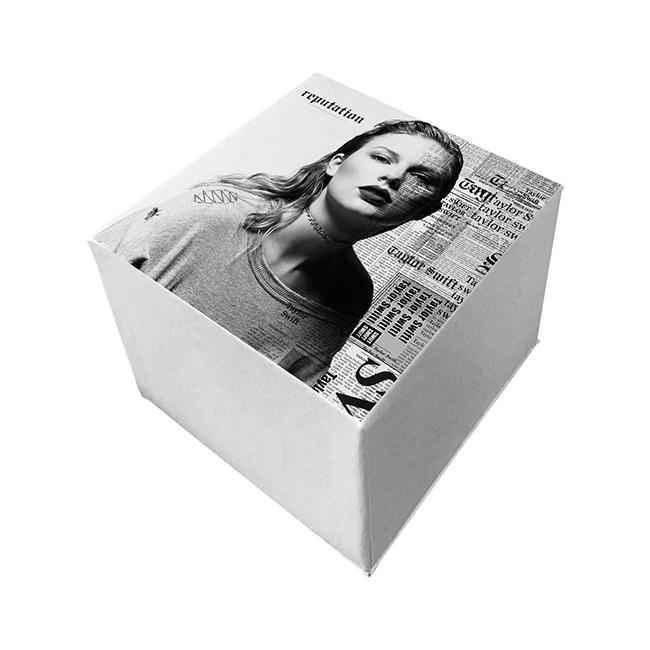 Taylor Swift, Merchandise, Snake