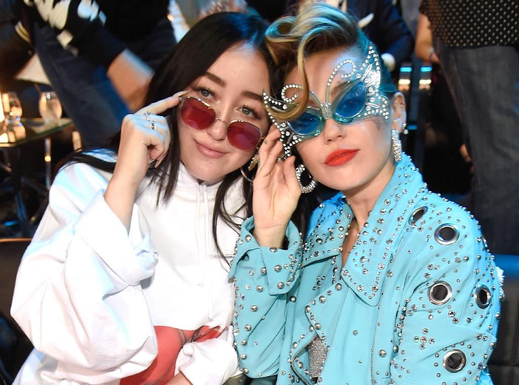 Noah Cyrus, Miley Cyrus, MTV Video Music Awards 2017, Candid