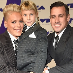 Pink, Willow Sage Hart, Carey Hart, MTV Video Music Awards 2017