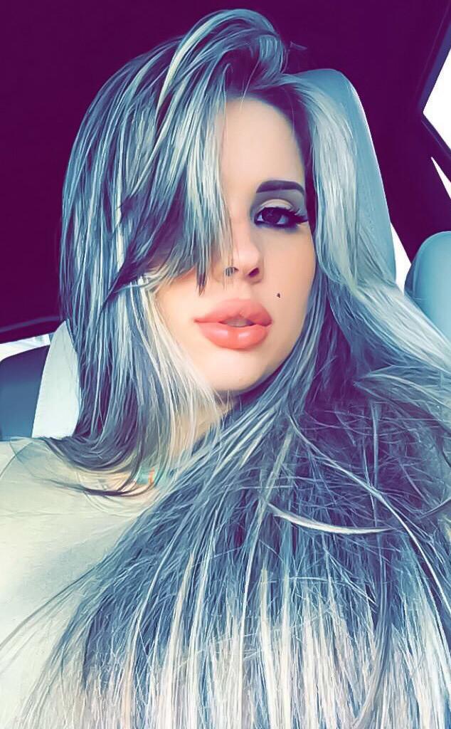 Katherine Ferreiro, Twitter