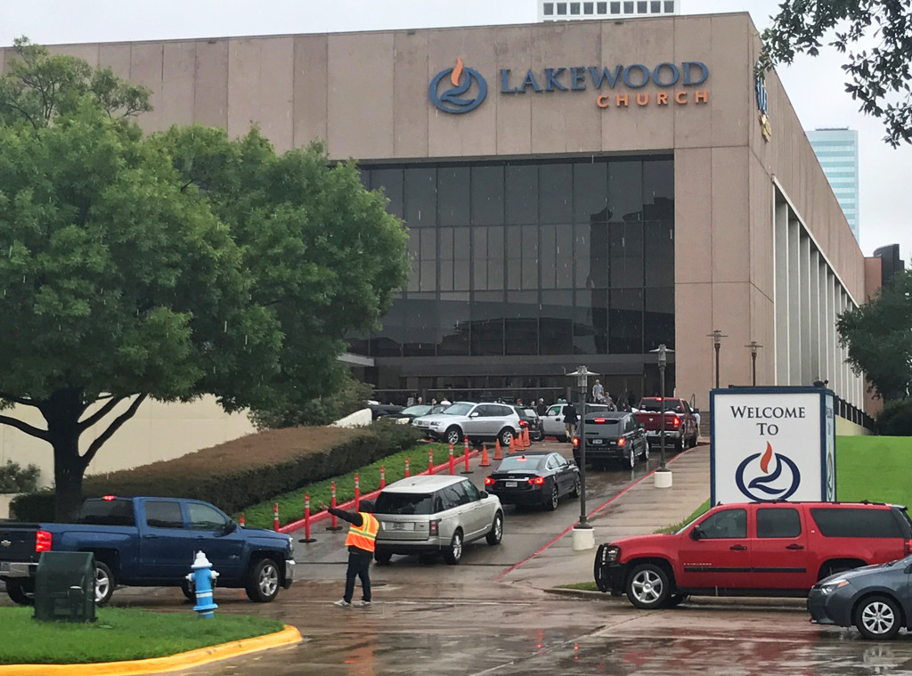 Lakewood Church, Houston, Hurricane