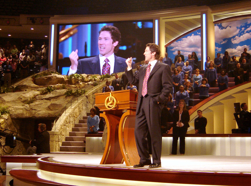 Joel Osteen, Lakewood Church