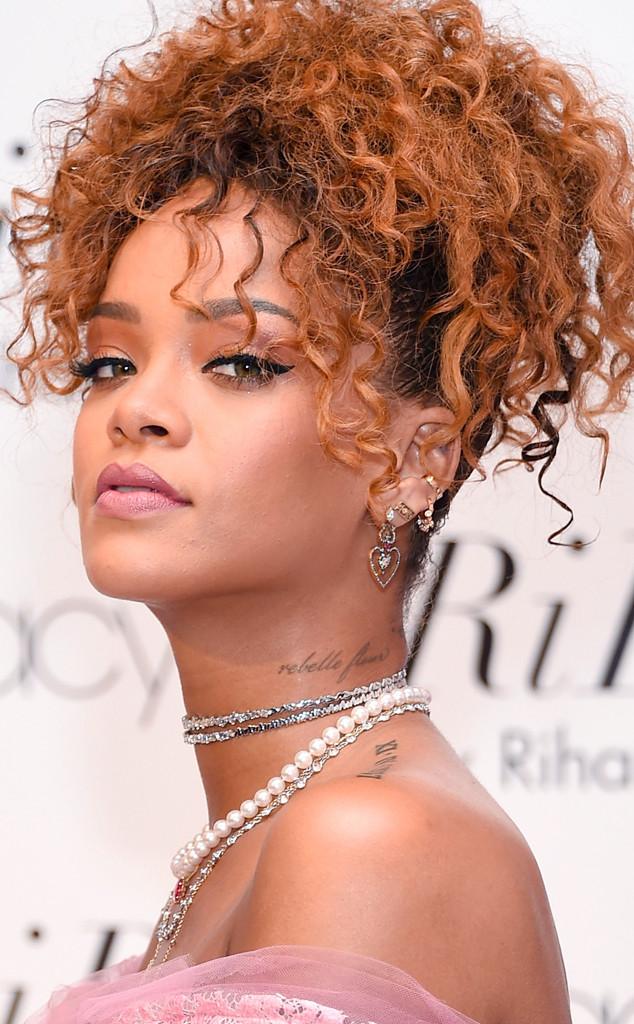 How Hollywood S Stars Wear Their Curls E News