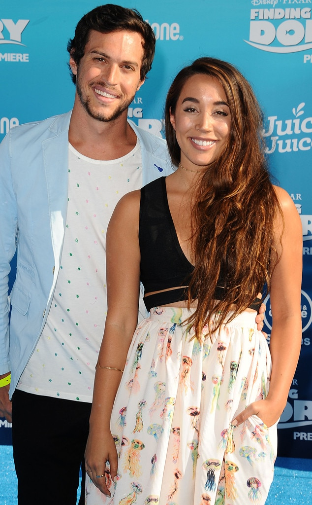 How long have alex and sierra been dating