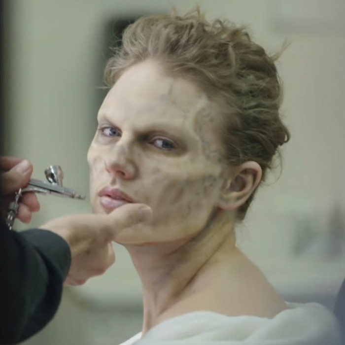 """Here's How Taylor Swift Transformed Into a Zombie for Her """"Look What You Made Me Do"""" Music Video"""