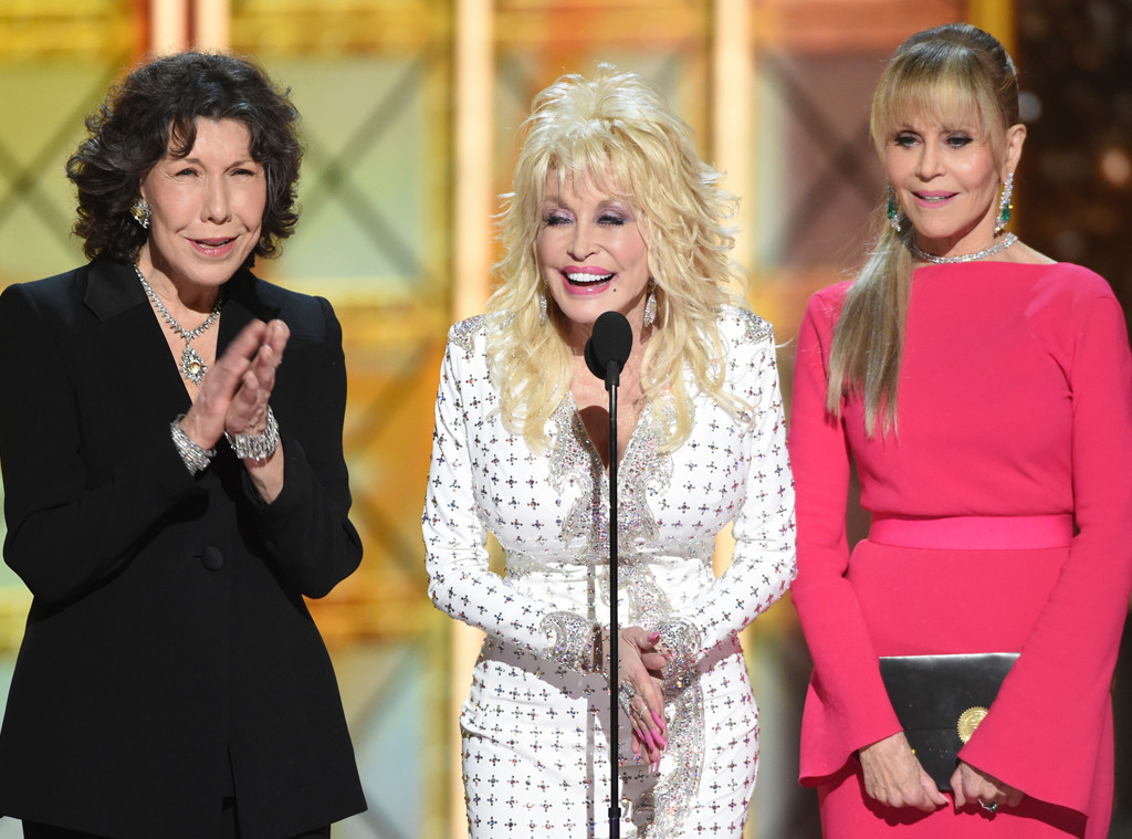 9 To 5 Stars Jane Fonda Lily Tomlin Dolly Parton Reunited At The 2017 Emmys Delight Of Audiences Everywhere