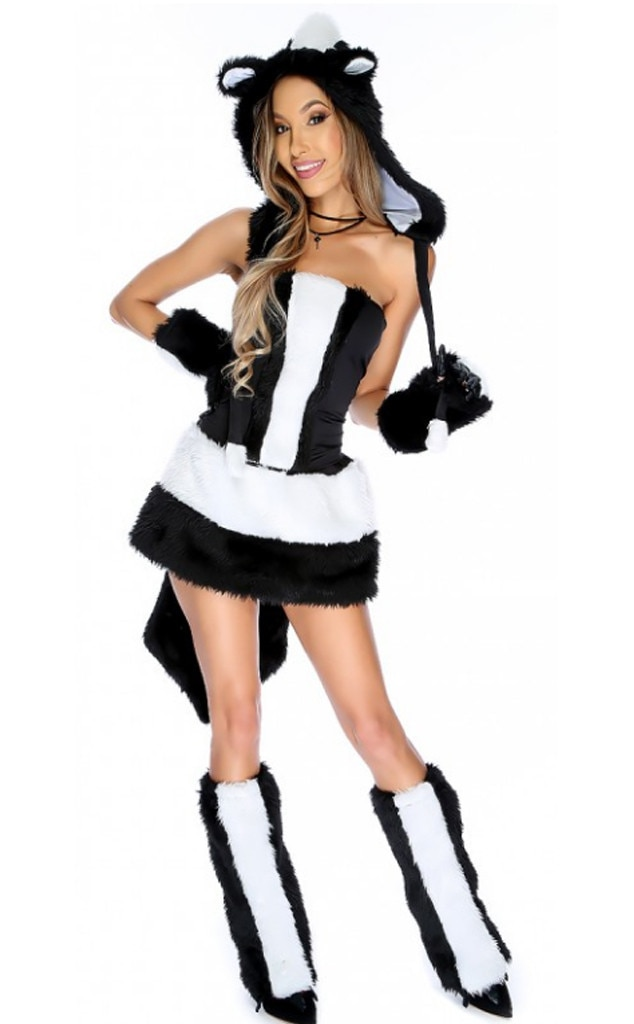 Skunk From Cute  Surprisingly Sexy Halloween Costumes  E News-3491