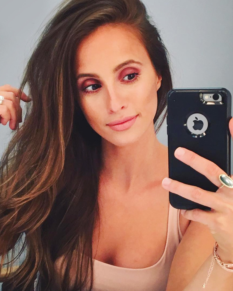 What's in The Bachelor's Vanessa Grimaldi's Makeup Bag ...