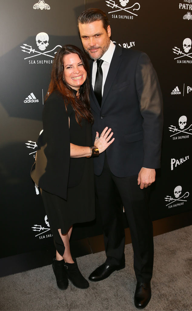 charmed star holly marie combs is engaged see her