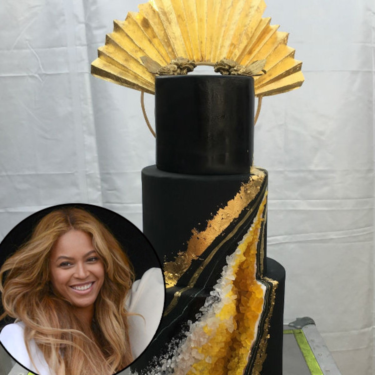 Fantastic All The Details On Beyonces Bee Inspired Birthday Cake E News Personalised Birthday Cards Cominlily Jamesorg