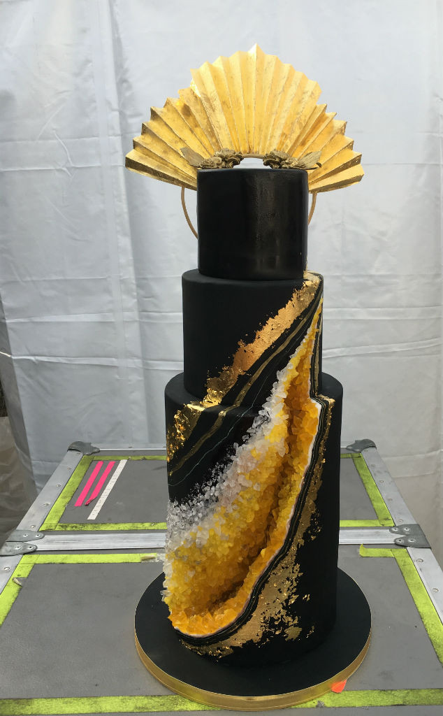Astonishing All The Details On Beyonces Bee Inspired Birthday Cake E News Personalised Birthday Cards Cominlily Jamesorg