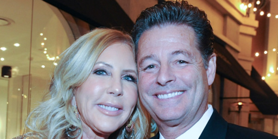 Real Housewives' Vicki Gunvalson and Steve Lodge Break Up 2 Years After Engagement - E! Online.jpg