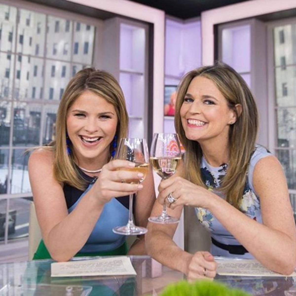 How Savannah Guthrie And Jenna Bush Hager Become Lifelong Friends E Online