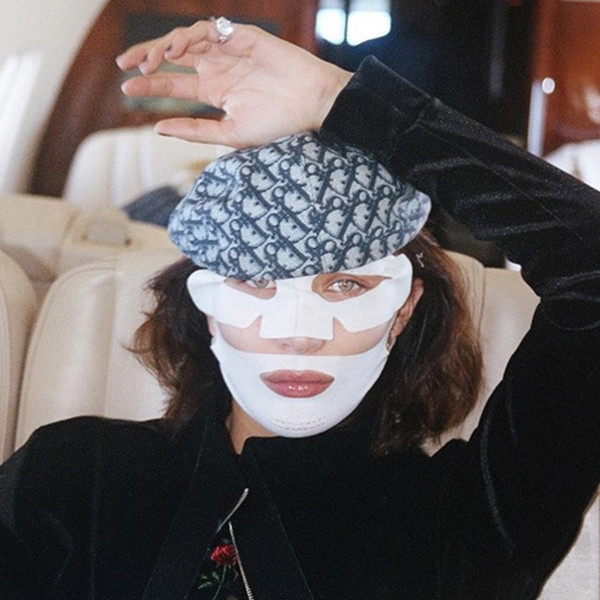 ESC: Bella Hadid, Face Mask