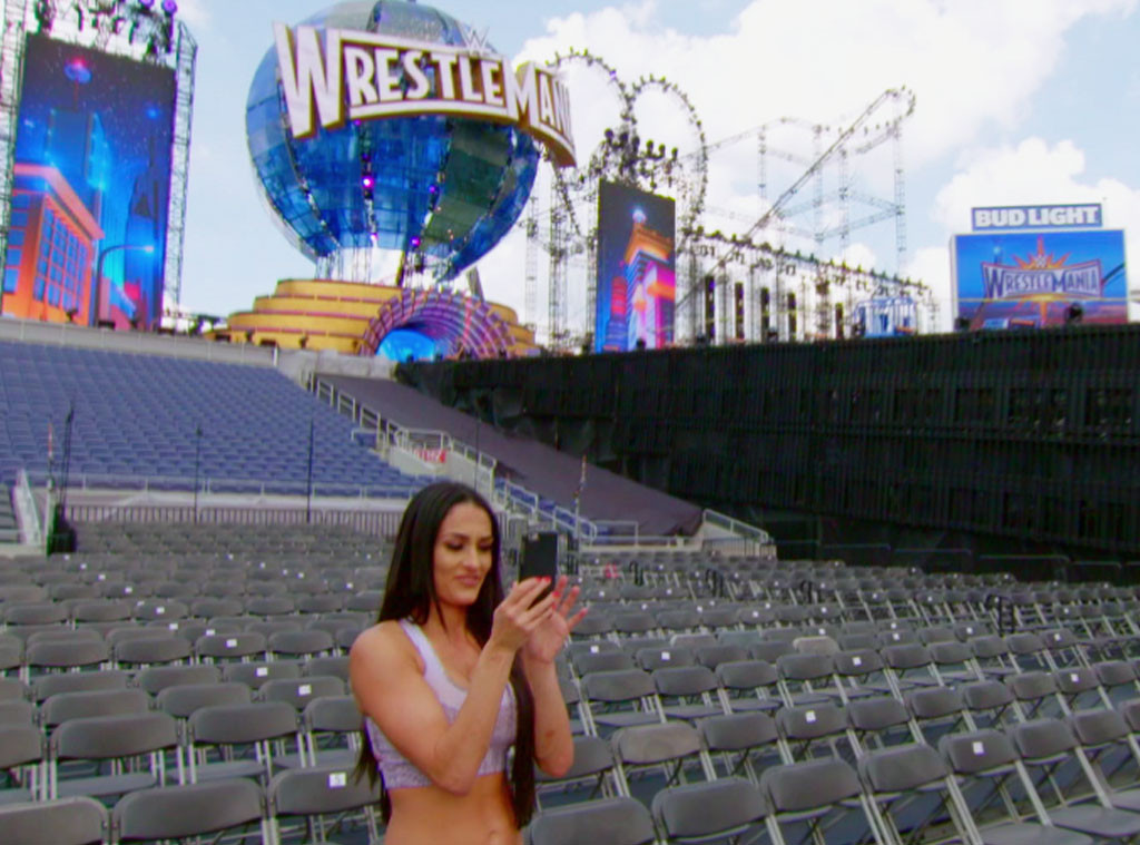 Total Bellas 208, Nikki Bella, WrestleMania