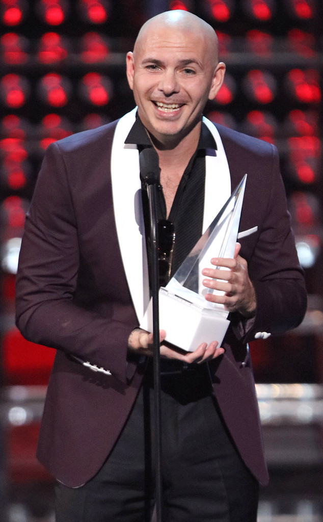Pitbull, 2017 Latin American Music Awards