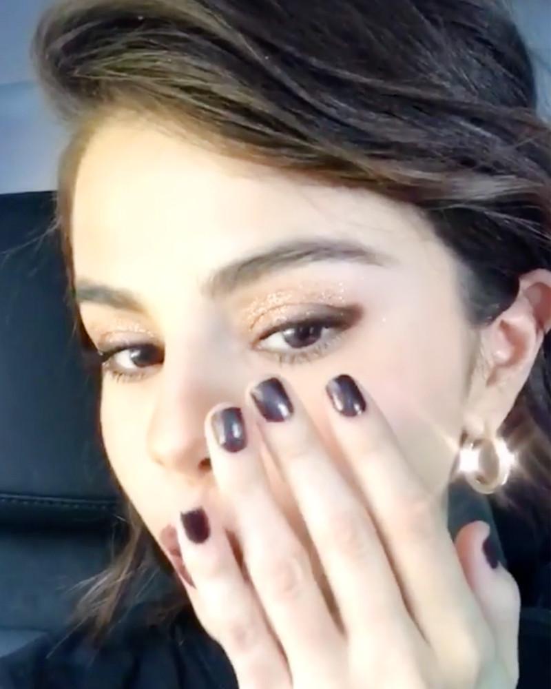 ESC: Selena Gomez, Thumbprint Eyeliner